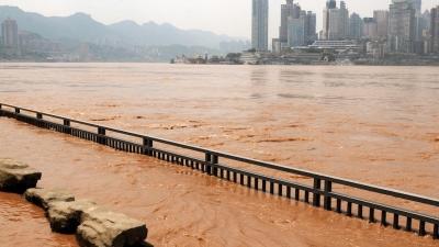 作者指,有理由相信千百年來困擾着中華民族的水災之苦,經科學家多年深入硏究後,已找出其根由(「集」)及對治方法(「滅」)。(亞新社)