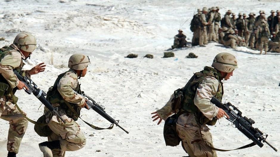 談中美兩國經濟和軍事的出牌策略