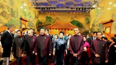 APEC 展示大國風範 外媒調侃:「就差給中國磕頭了」