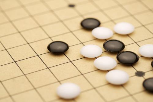 Alphago 跟 60位世界圍棋高手進行了網上快棋比賽 , 結果是 60 局全勝 ! (網絡圖片)