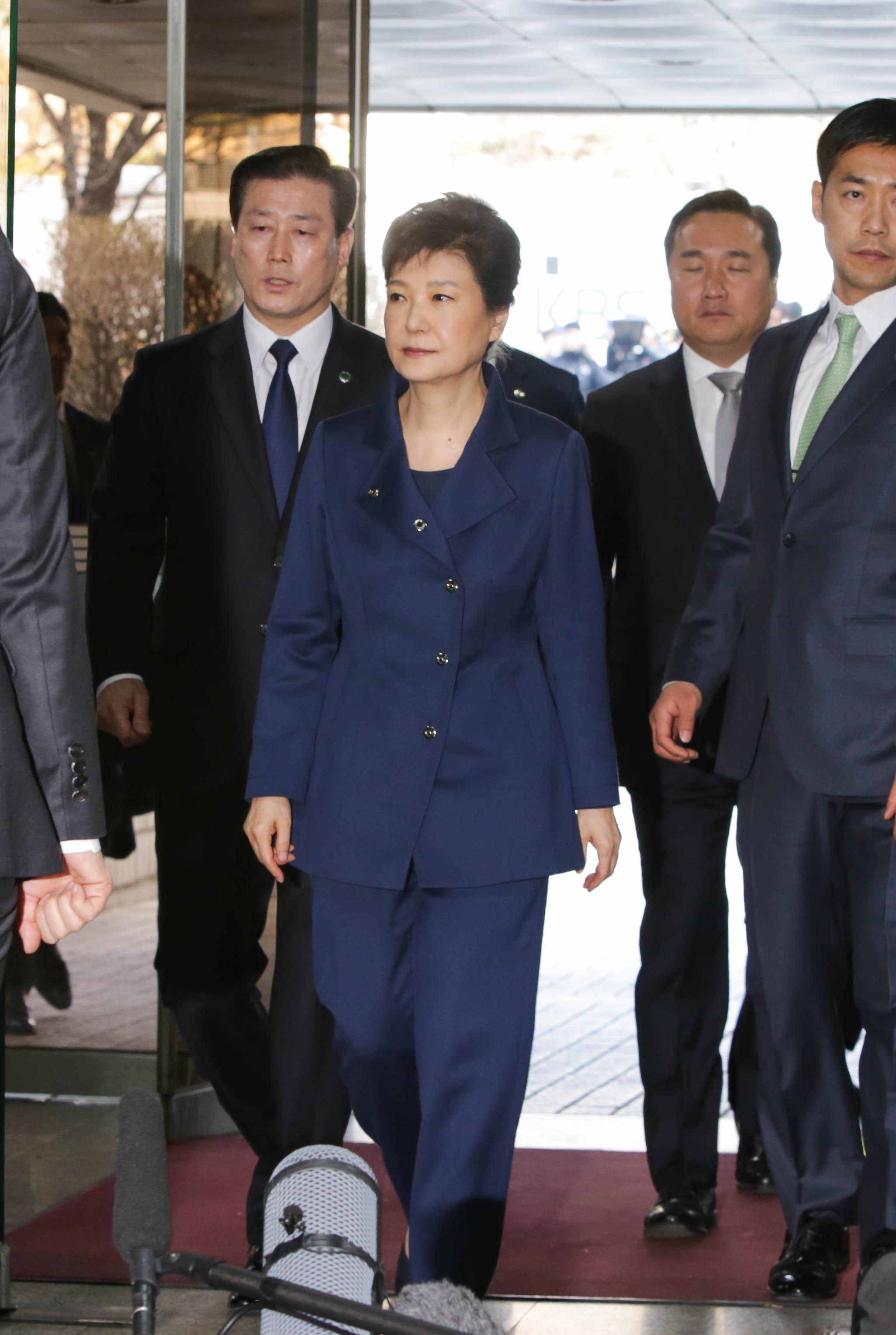 隨着南韓政治制度的民主化,南韓精英一步一步完成角色轉變,削去統治者的搜刮功能。(亞新社)
