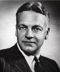 哈欽斯(Robert Maynard Hutchins)於1929年至1945年任芝加哥大學校長,提倡永恆主義教育哲學,強調人的理性發展。(網絡圖片)