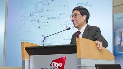 城大郭位教授提出,核電須與「七彩能源」同步發展。(香港城市大學)