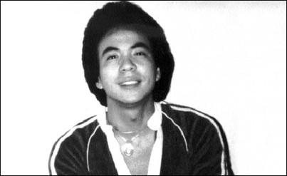 八十年代是美國反日情緒高潮時期。1982年6月23日,美籍華人陳果仁被兩名美國人當成日本人活活打死。法官卻輕判兇手緩刑三年,引發民眾大規模抗議。(Wikipedia Commons)