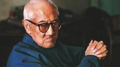 1988年,梁漱溟去世前曾接受一位台灣記者的採訪,只說:「注意中國傳統文化,順應時代潮流。」這可以視為梁漱溟的遺言。(網絡圖片)