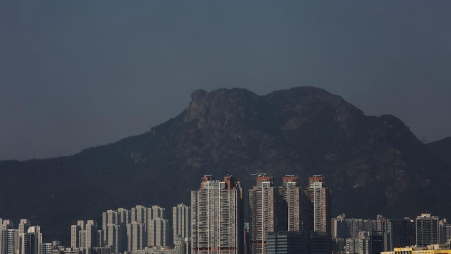 對獅子山精神的衝擊不止於政治上的轉變,香港地產格局是使香港奮發精神堙沒的另一個重要因素。(亞新社)