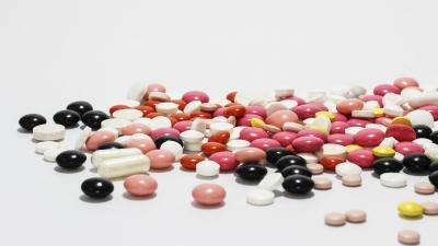 絕大部分西藥會有添加的物料,與藥粉混在一起,會壓成藥片或藥丸。(Pixabay)