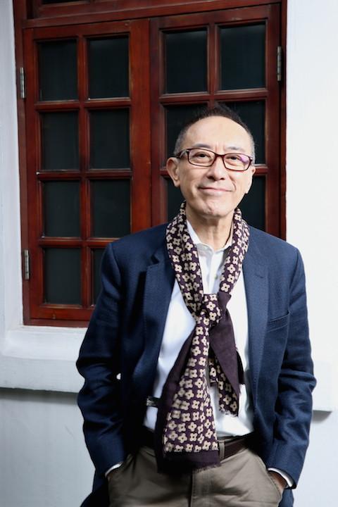 毛俊輝為了實踐戲劇夢,他毅然放棄「戲劇學院」院長高薪厚職,到香港話劇團擔任藝術總監。