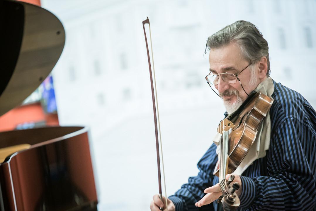 音樂會由芬蘭中提琴家孟德爾遜策劃,南蓮園池將響起芬蘭、波希米亞、匈牙利樂韻。(垂誼樂社)