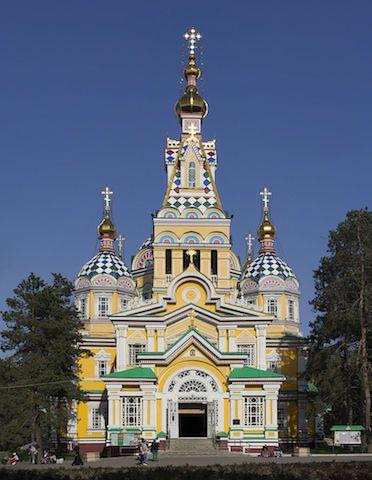 位于阿拉木图的升天大教堂,是世界第二高的木�u建筑。(Wikipedia Commons)