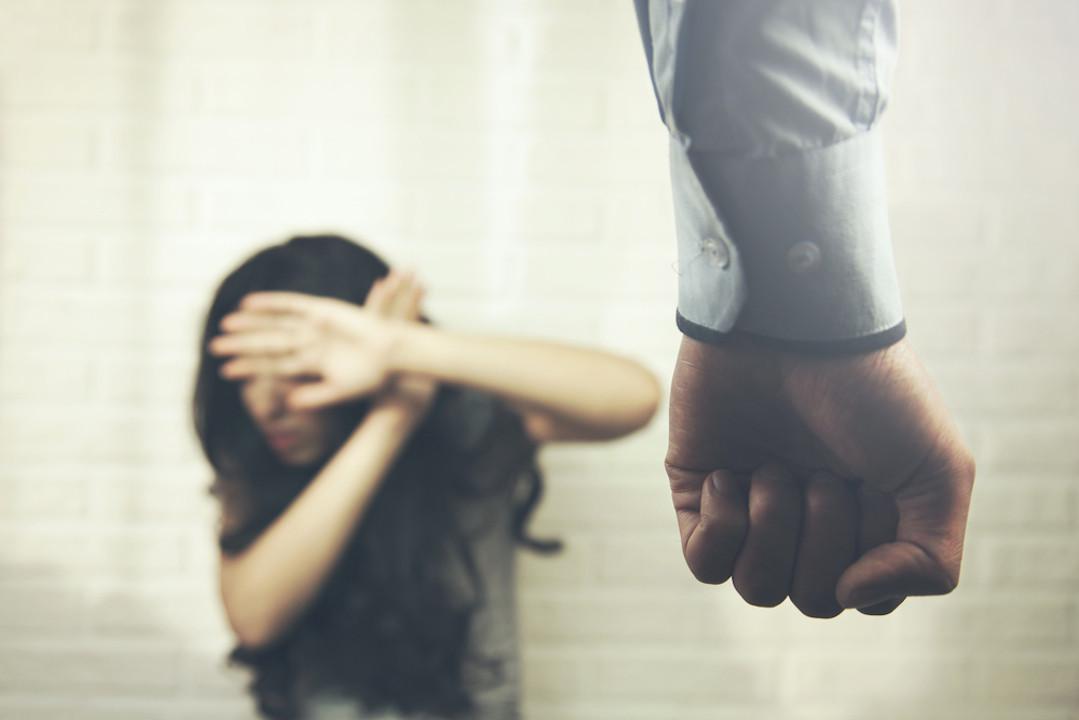 關於男女夫妻暴力,多以女性為受害的對象。(Shutterstock)