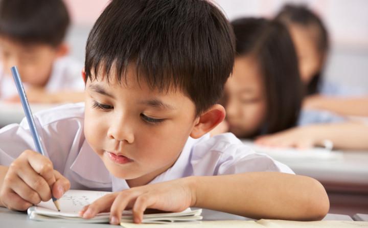 要應付2047年後的香港大環境,像國際學校中的中文科,不管採用的是繁體或簡體字,都是不足夠的。(Shutterstock)