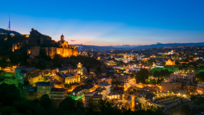 既然城市要依賴人類的協作效應,因此教育非常重要(Shutterstock)