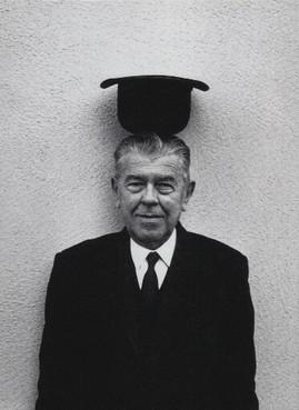 馬格利特因為作品中帶有詼諧和引人審思的符號語言而聞名。(Wikipedia Commons)