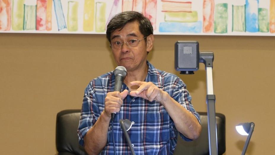 鄭國江老師創作勵志歌,其實不是勉勵大家,而是勉勵自己,要經過艱苦才有收穫。