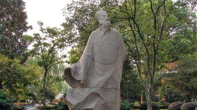 蘇東坡一生有幾個貼心的女人相依相伴,他懷念忘妻王弗的《江城子》一詞,更是千古絕唱。(Wikipedia Commons)