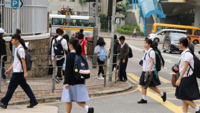 在香港,不管是學生還是其父母,面對劇烈的競爭已成日常生活的一部分。(灼見名家圖片)