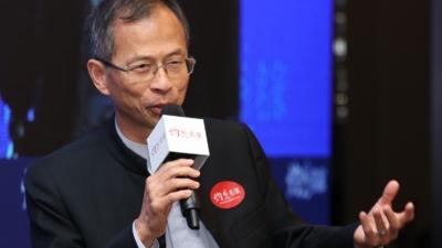 香港政策研究所副主席曾鈺成指出,基本看法是一國兩制整體應該是成功的,否則不會有今日的條件。