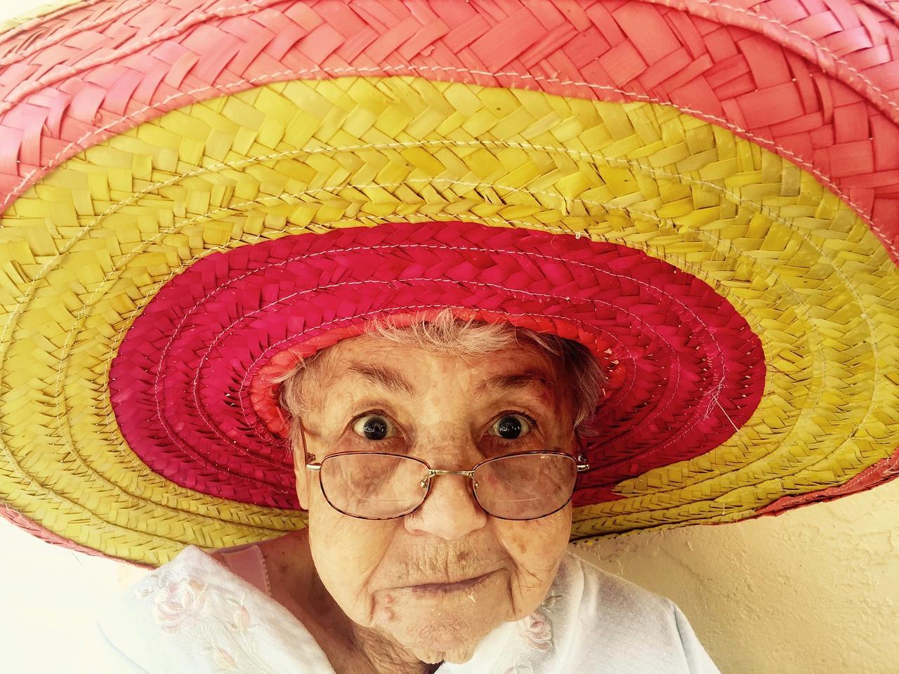 百歲人生看似是天賜的,但活到百歲只是個可能性,能否達致,就要看個人的造化。(Pixabay)