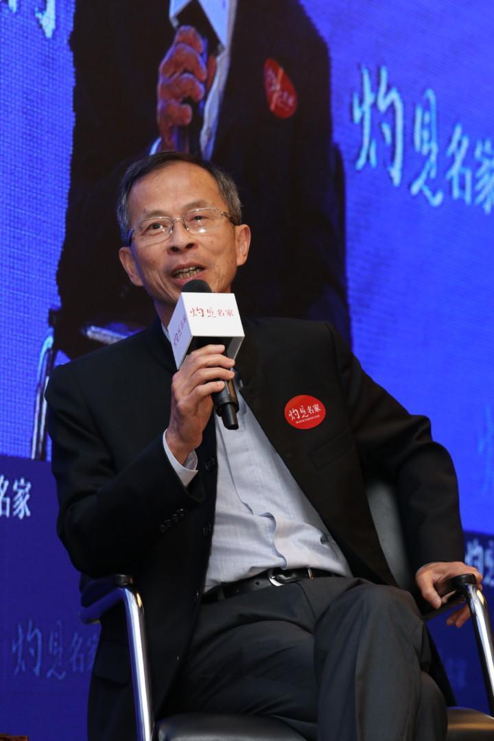 曾鈺成說,往後的十年對於一國兩制的實踐是關鍵的十年,一國兩制才真正遇到挑戰。