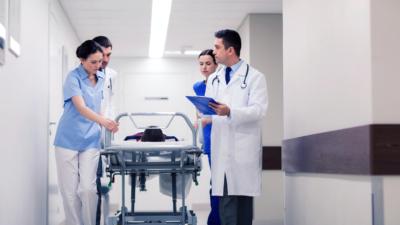 醫護人員的工作都算是一項厭惡性工作,大家應對他們有多一份尊重。(Shutterstock)