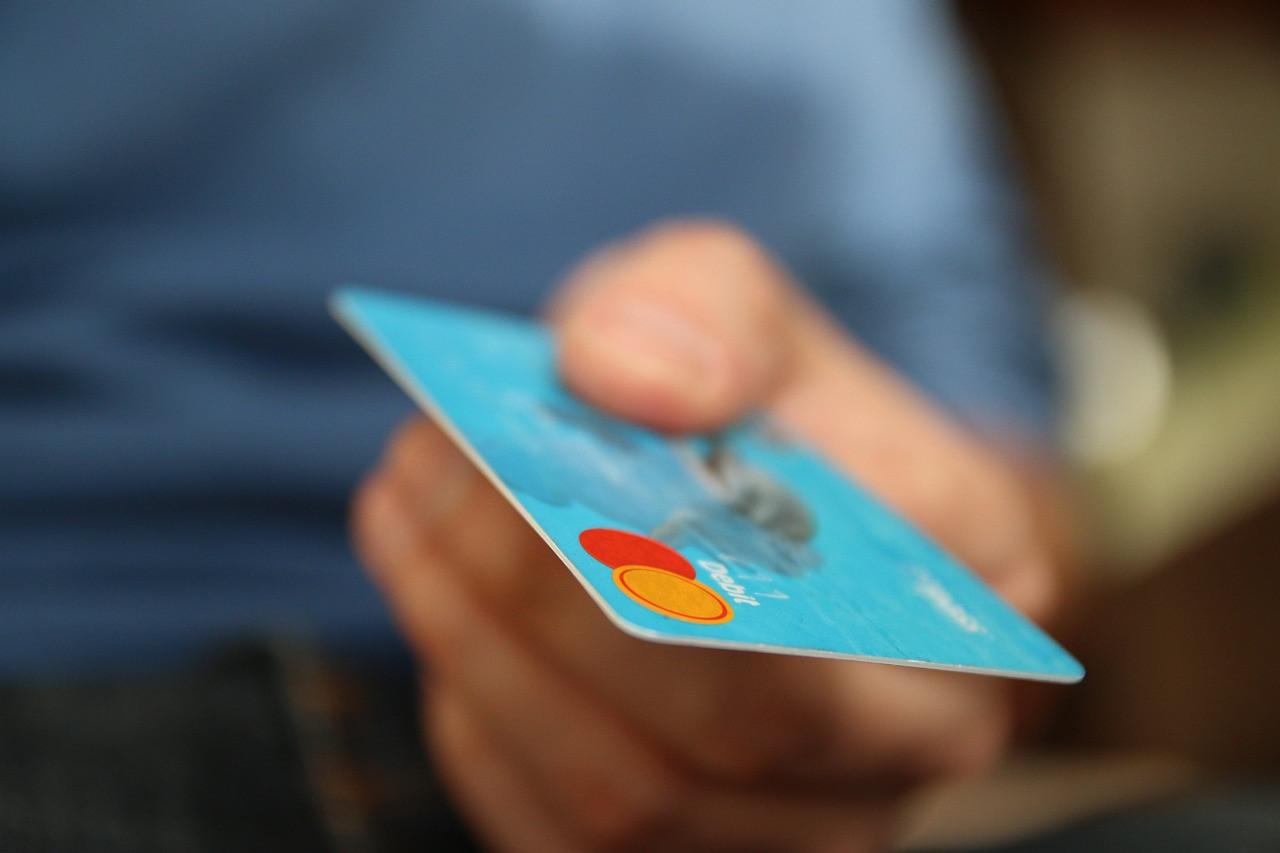 美國10月份信貸申請率為47.8%,按年跌1.2個百分點,或反映未來消費者對信貸需求及信貸審批較悲觀。(Pixabay)