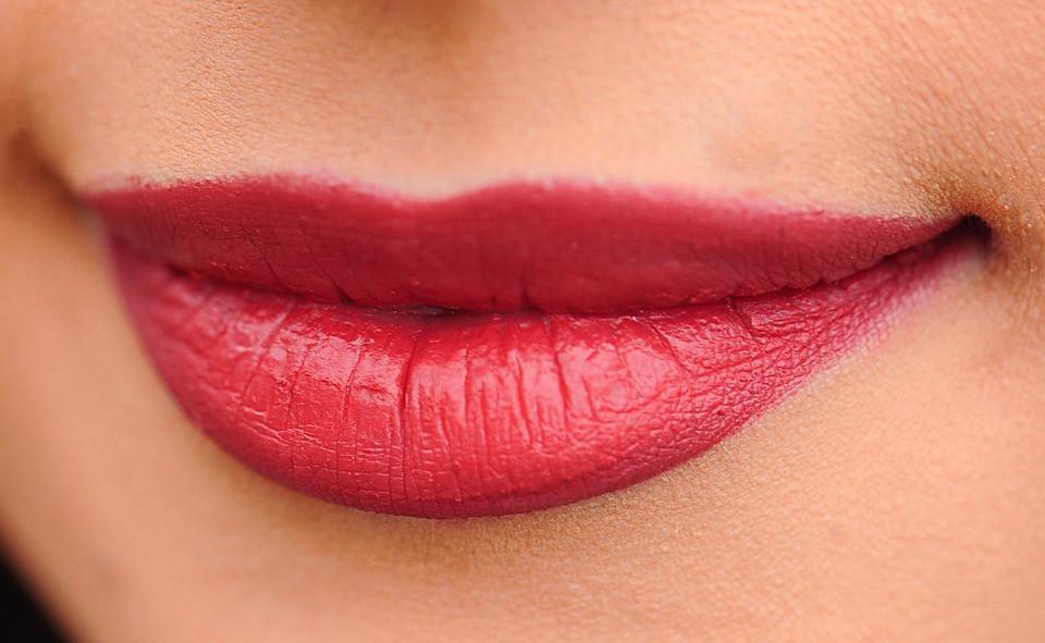 椿花油能增強皮膚細胞的活性化,促進肌膚細胞不斷更新。(Pixabay)