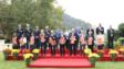 香港大學舉行傳媒新春團拜,校長張翔教授(前排右五)與現任管理層向在場人士拜年,前排左五為首席副校長譚廣亨教授。
