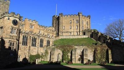 英國一向有貴族學校寄宿的傳統,是英國政、商界、社會菁英的搖籃,自古以來許多出身牛津、劍橋的大學生無不來自各個貴族「公學」。