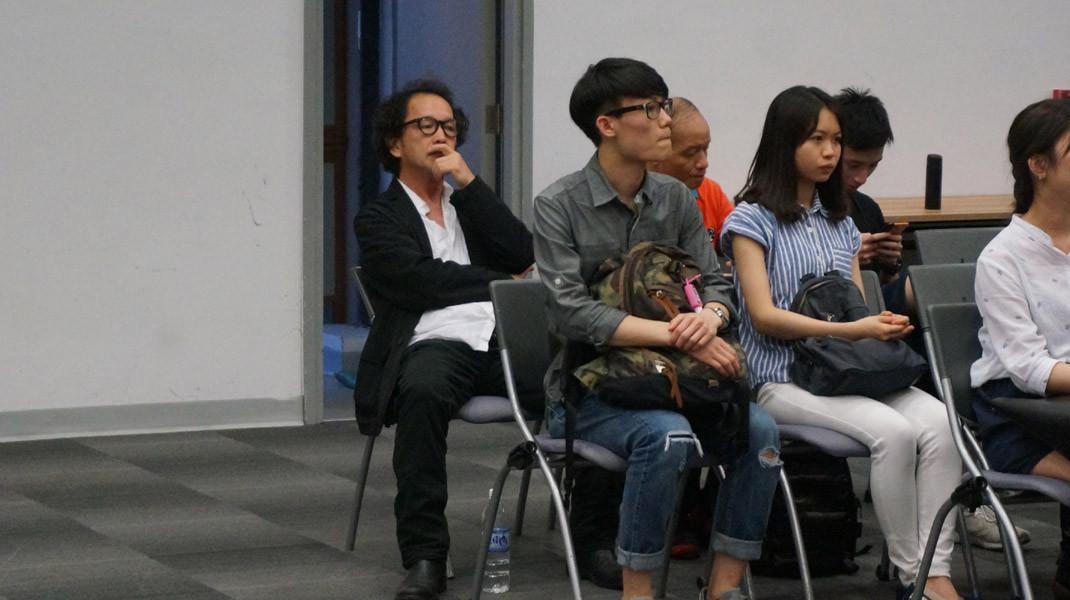 資深演員、浸大電影學院講師廖啟智(左)是論壇座上客之一。
