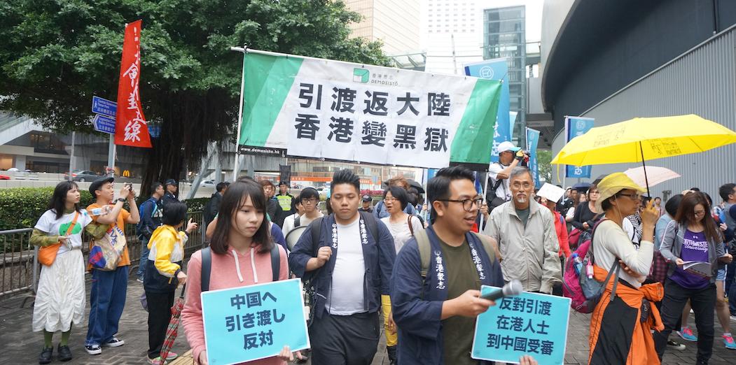 今天的香港與上世紀八十年代的美國一樣面對着社會道德的危機,青少年的不滿演化為暴力、偏執、不誠實、自我中心、社會責任感缺失等行為。(灼見名家圖片)