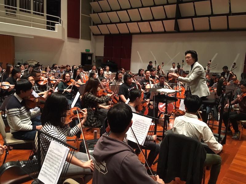 國敏於2017年為演藝交響樂團音樂會指揮。