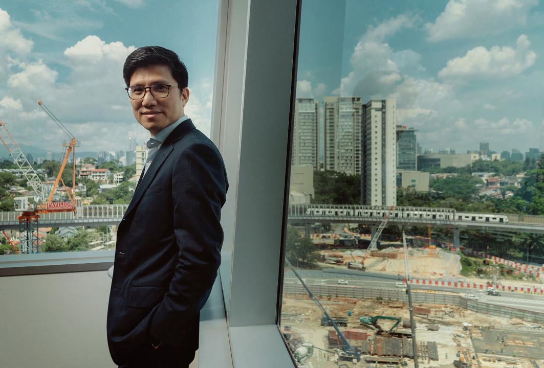 成為建築工程公司AECOM的馬來西亞總監兼亞太區全球主要客戶主管前,王錦良為公司的亞太區財務總監。