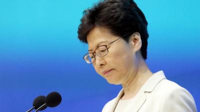 林鄭衷心希望,在今次事件後,受傷的人盡快康復,社會裂痕盡快修補,因為香港是大家的,因為只有同心同行才為香港帶來希望。(亞新社)