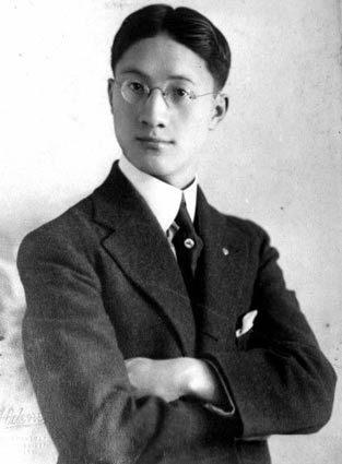 徐志摩並不是叫年輕人放棄追求公義和理想,只是希望年輕人不要再用用處不大的方式爭取,不要再作無謂的犧牲,不要變質。(Wikimedia)
