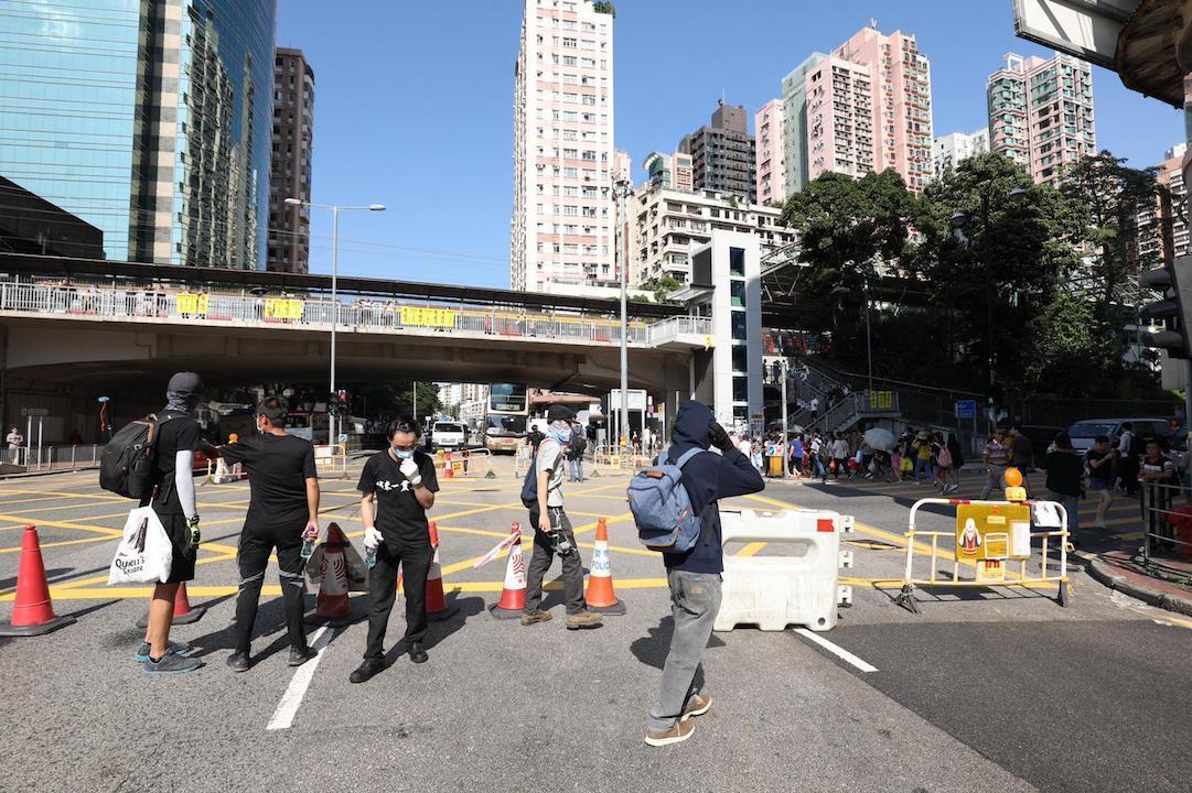 示威者堵塞亞皆老街。