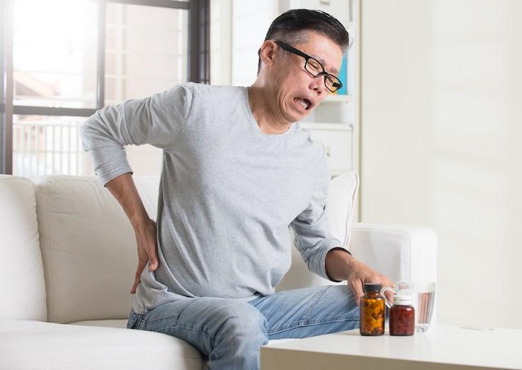 甘胺酸可提升中樞神經細胞表面一個叫KCC2的氯通道,令氯(離子)滲出中樞神經細胞,從而減低傳遞入中樞神經的痛感。(Shutterstock)