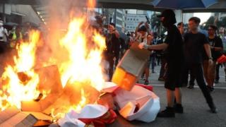 禁蒙面法實施前 示威浪潮遍18區 元朗14歲少年中槍