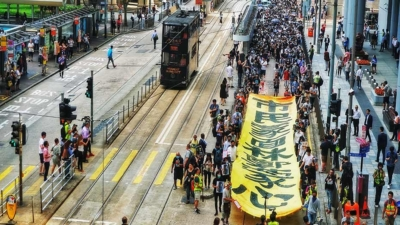 中環快閃遊行 抗議緊急法蒙面法 Flashmob March in Central to Protest Emergency Law Mask Ban