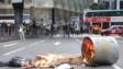 示威者在畢打街縱火。