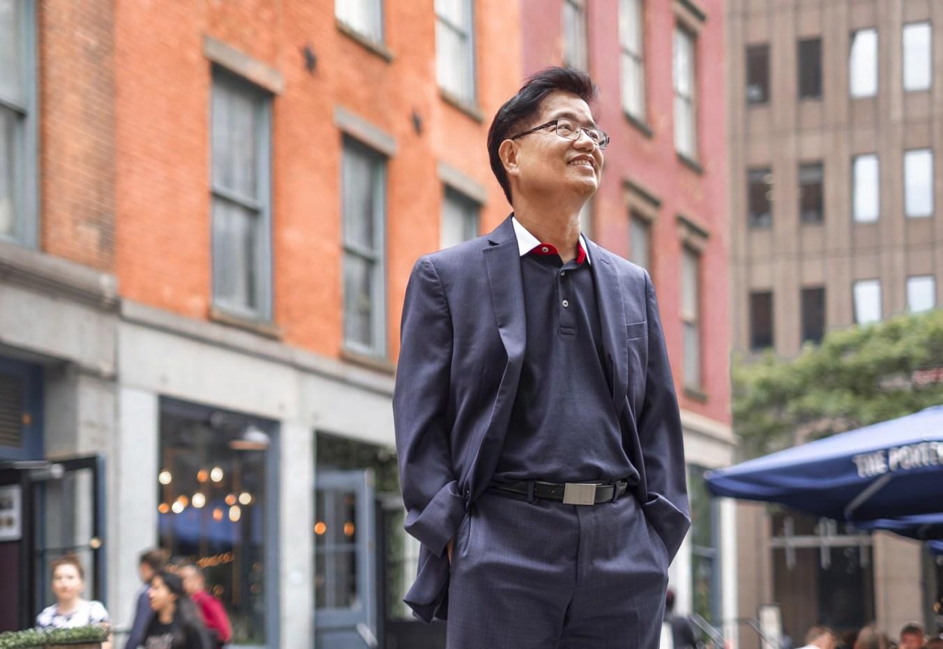 張榮健發現他的香港會計師公會會員資格在紐約備受認可,這對他在美國的事業發展大有幫助。