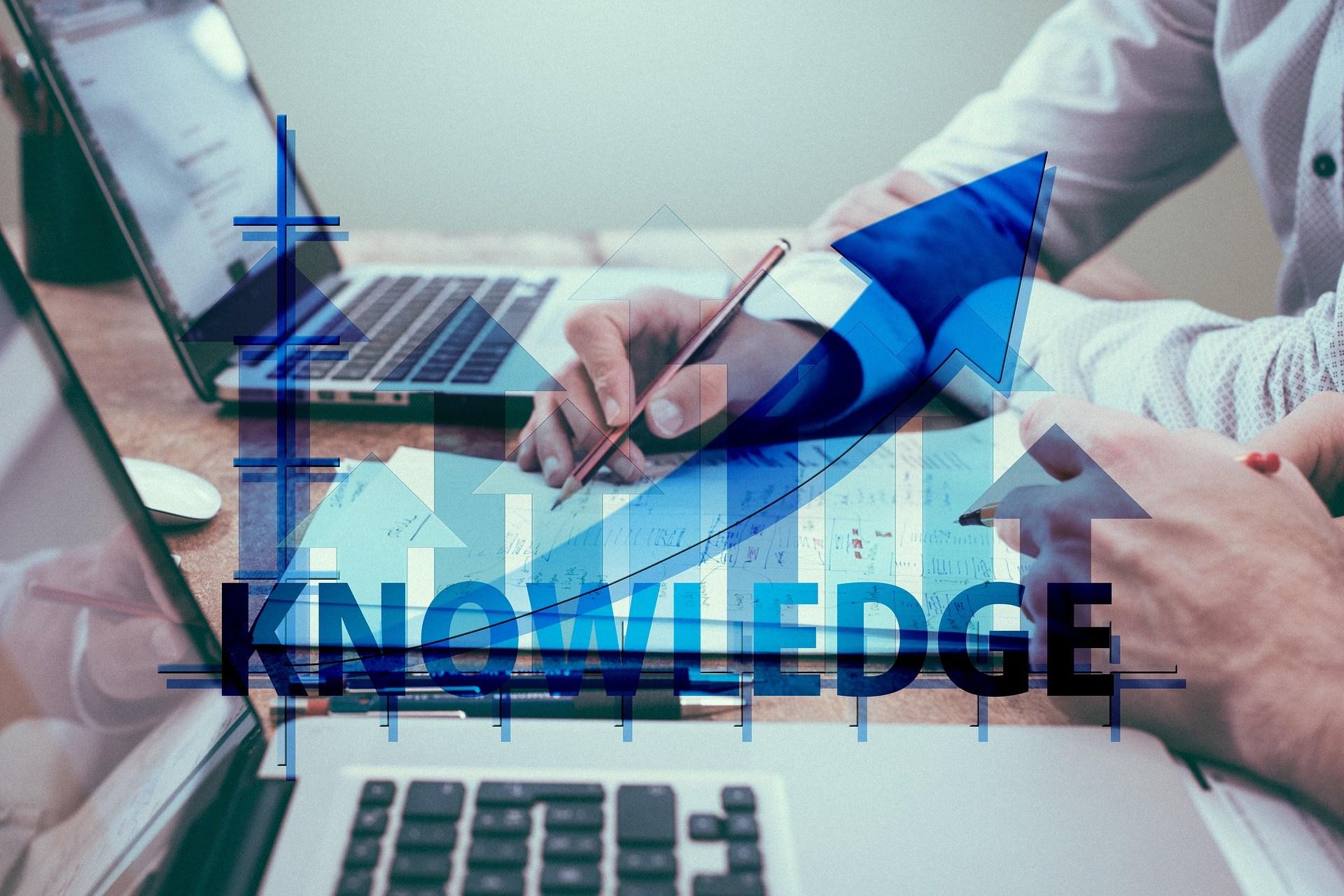 巨人後面,必定有連串的師傅,以及一波波的知識引入者。(Pixabay)