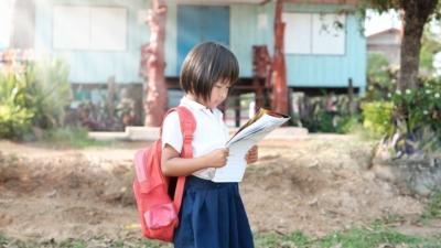 尋找創新的干預措施,讓家境貧窮的兒童的未來仍有希望。(Shutterstock)