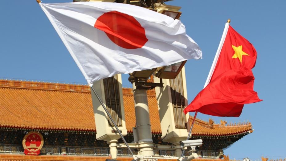 比起專制的、對日本表達了那麼多敵意的中國政府,日本人覺得與美國合作更放心。(亞新社)