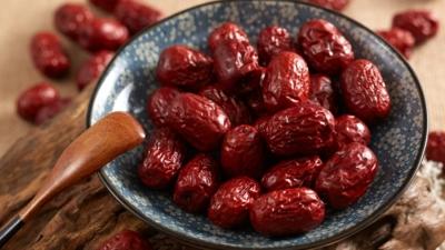 很多人以為「辟谷」就是什麼都不吃,原來還是可以每日吃一些紅棗。(Shutterstock)