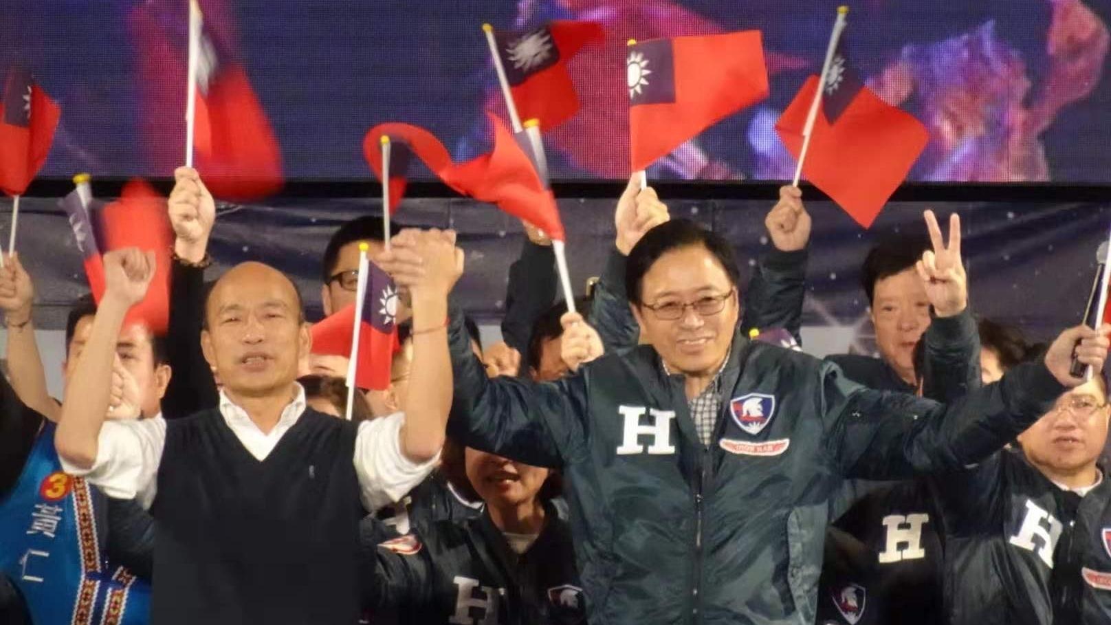 民進黨一黨獨大,不少台灣人憂慮民主自由只淪為一個口號、新的威權時代來臨。
