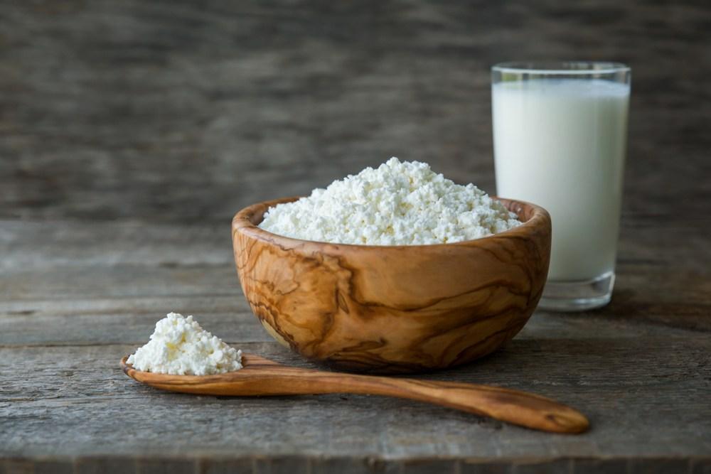 布韋認為,茅屋芝士中的氫硫基,能釋放亞麻籽油內不飽和脂肪酸的能量,從而抗癌。但有論文指出,這方法未能被確認。(Shutterstock)