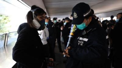 法律只是最低層次的行為要求,道德規範才是高階的標準。為了未來,香港人請把握當前的機會,重新出發做好德育!(亞新社)