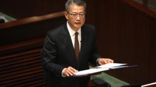 財政預算案預計赤字378億元 全港18歲或以上香港居民派1萬元