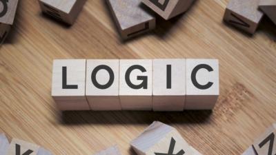 文人都愛翻書,何不有空參閱一下一些基本的邏輯概念呢?(Shutterstock)